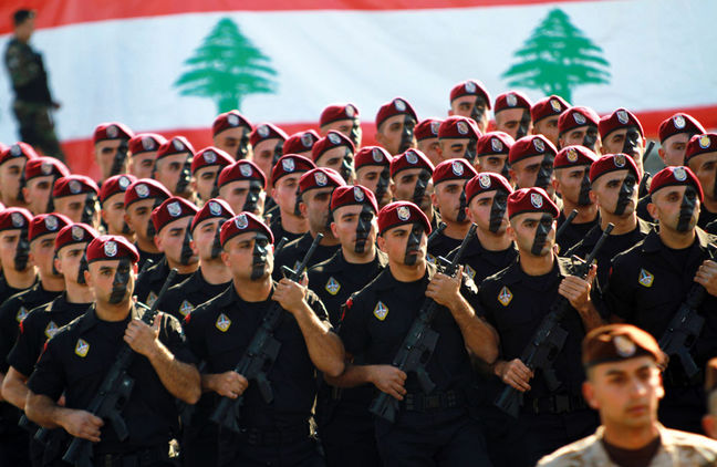 Lebanese army, Hezbollah declare offensives on Islamic State at Syrian border