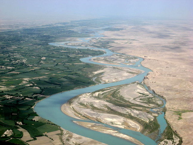 Iran, Afghanistan Sign New Agreement to Ameliorate Water Sharing from Hirmand