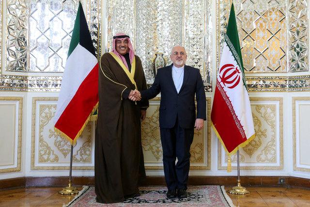 Zarif meets Kuwaiti Foreign Minister