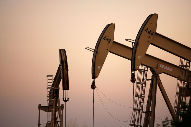 Iran signs seven confidentiality contracts with int'l oil companies