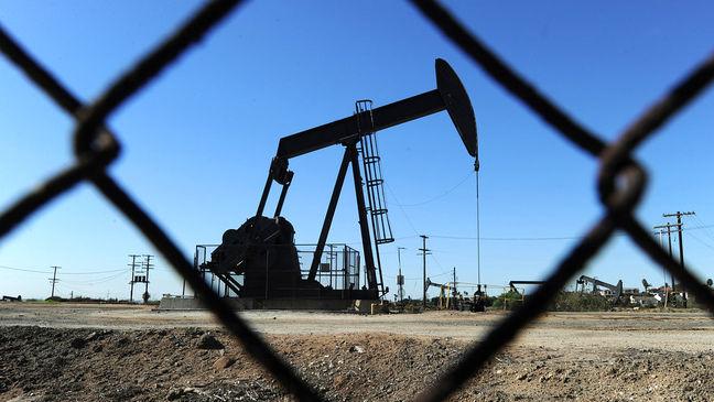 Oil Extends Longest Gain of 2017 as Saudis Seen Extending Curbs