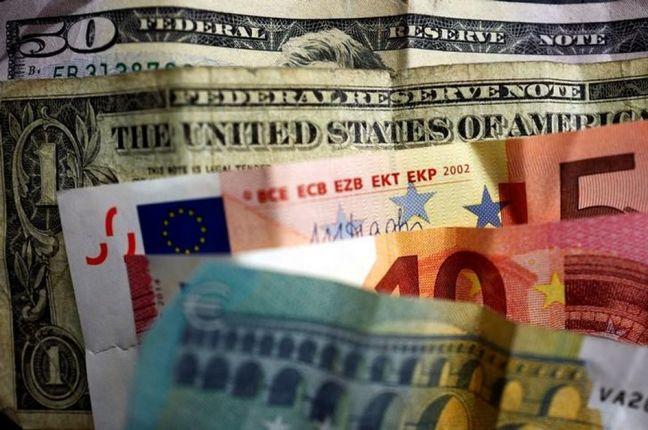 Europe Stocks Halt Selloff; Dollar and Oil Fall
