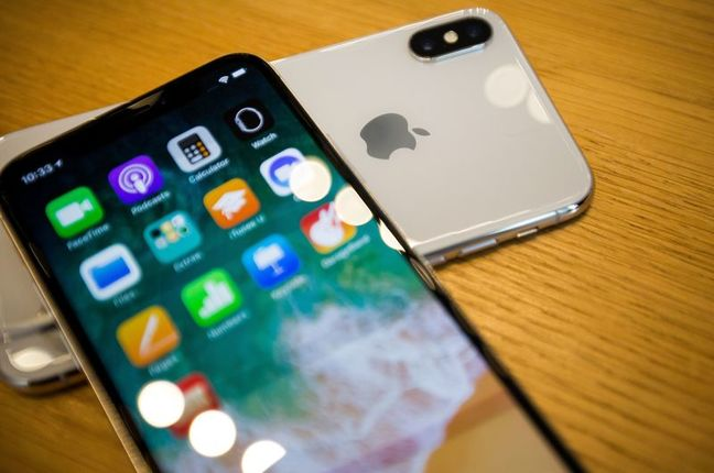 U.S. Probes Apple Over Updates That Slow Older iPhones