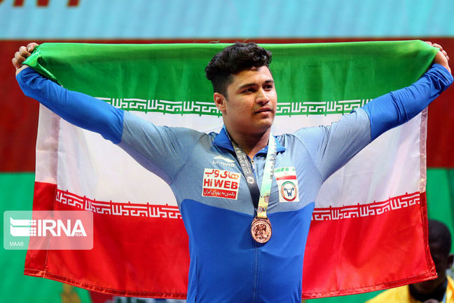 Iran weightlifter bags silver in Turkish int'l tournament